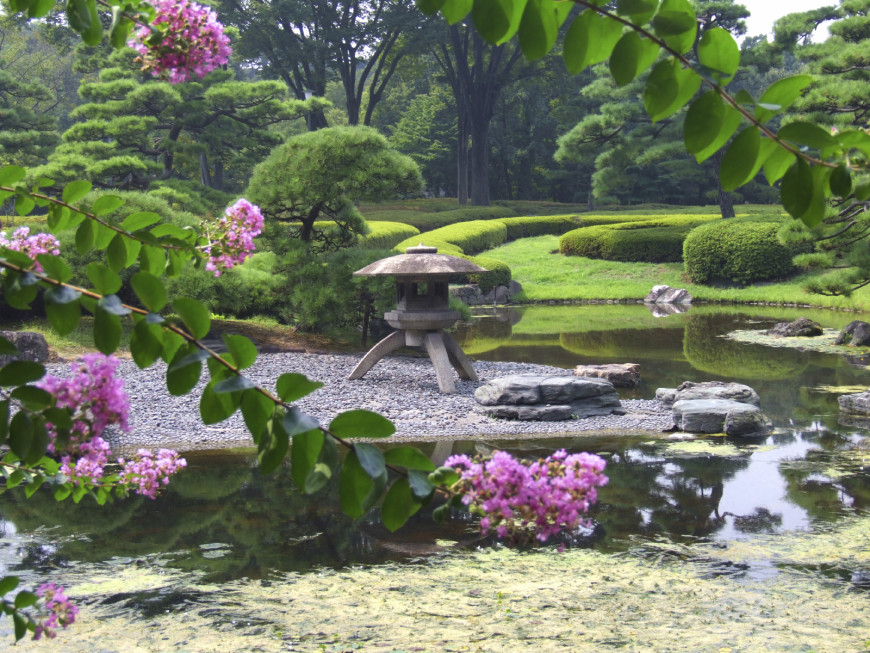 38 glorious japanese garden ideas for Small japanese water garden