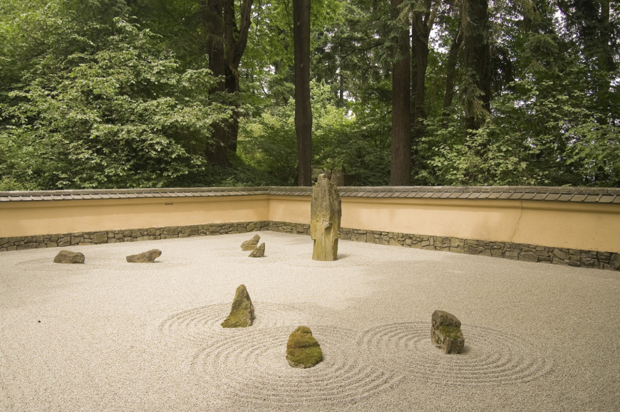 Here is another very representative zen garden. The variety of stones create an asymmetry and a natural balance at the same time.