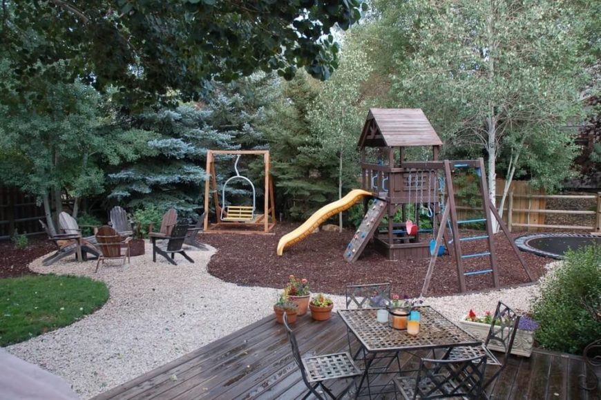 32 fun backyard trampoline ideas for Small backyard ideas for kids