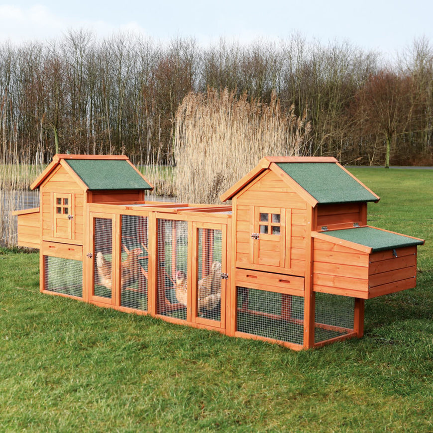 33 backyard chicken coop ideas home stratosphere for Chicken and duck coop
