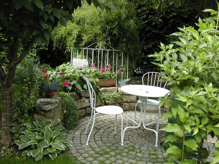 if you are near a natural growth of trees you can place your small garden - Small Garden Design