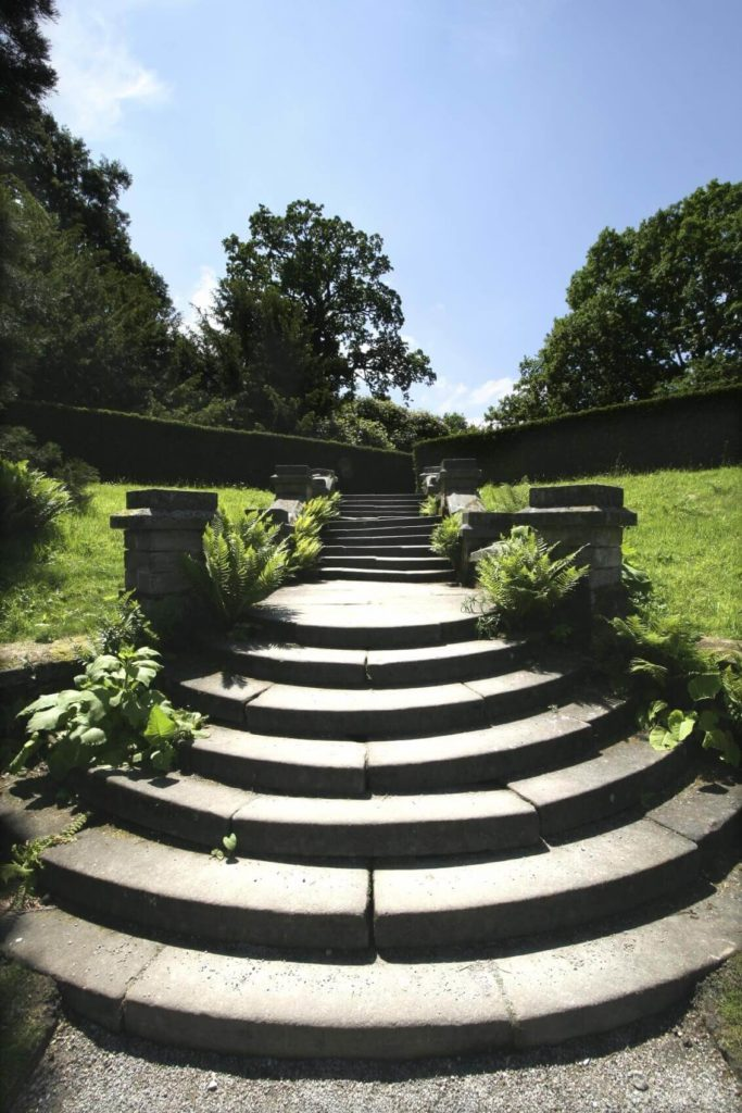 Because stones can be shaped, there are few limits to what your stone steps can look like. These stones are curved to make a nice circular design.