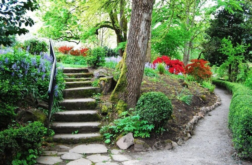 For simple and uncomplicated stone steps you may choose an iron railing. Iron railing is a fantastic, simple, and elegant accompaniment to stone steps.