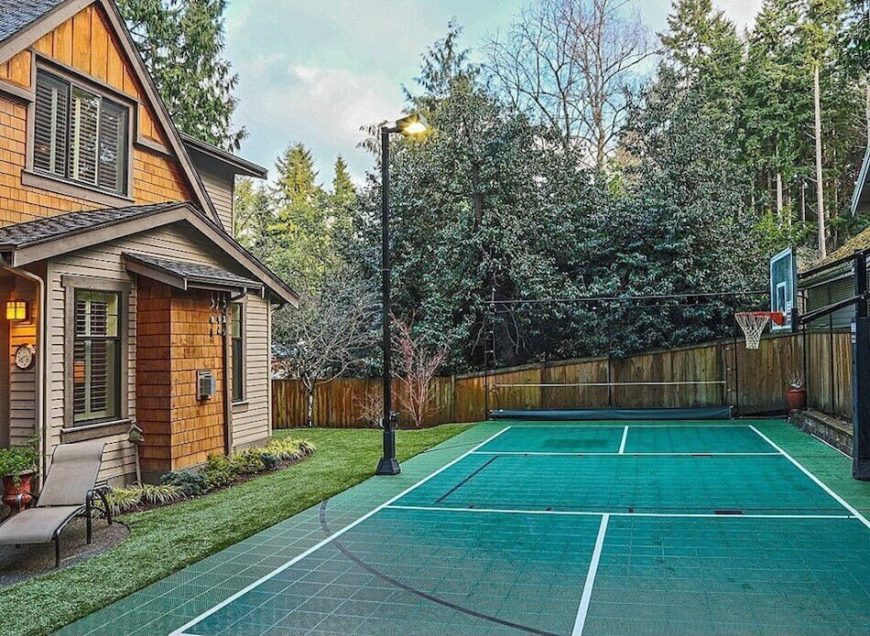 34 spectacular backyard sports court ideas for How to build a basketball court at home
